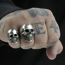 miesten sormukset